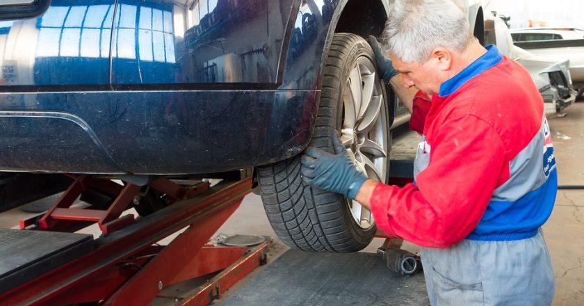 Czy warto samodzielnie naprawiać samochód?